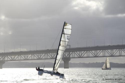 catamaran flying hull